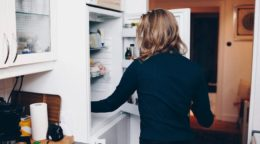 Feeling Hungry After Eating: Why It Happens and What to Do